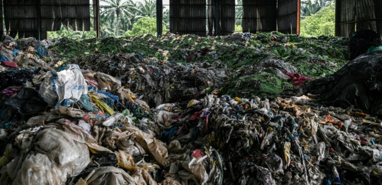 Le monde à la recherche d'une nouvelle poubelle pour le recyclage | Le blob, l'extra-média