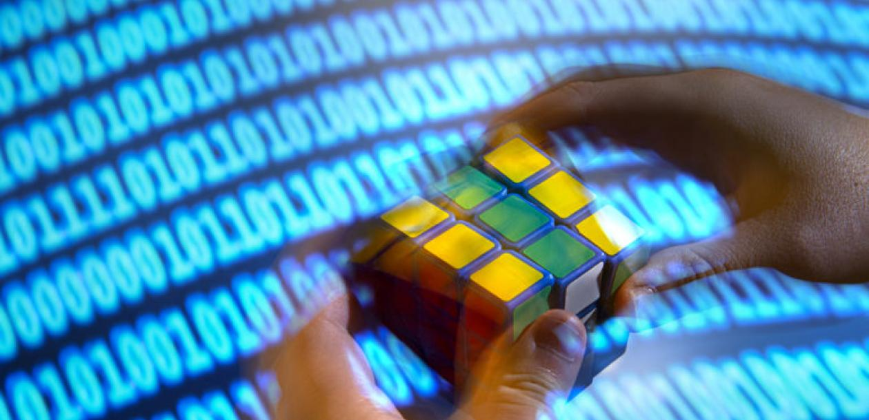 Résoudre le Rubik's Cube en seulement 20 coups | Le blob, l'extra-média